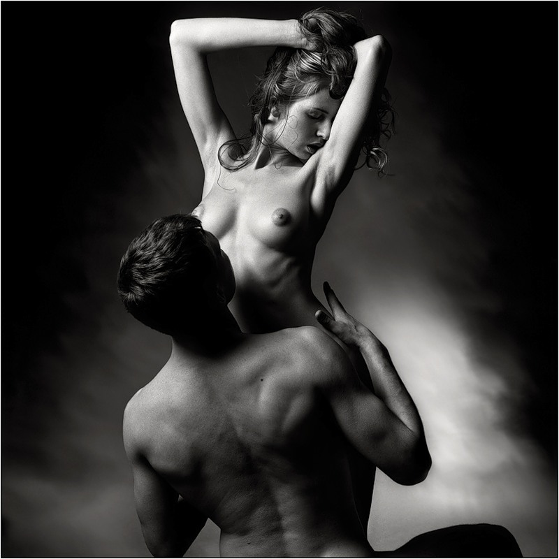 нас свежее фото эротика мужчина и женщина талию начал